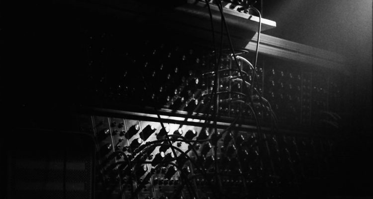 synthesizer_black_white_by_picslug-d2qsu4s